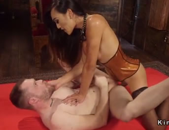 Transexual China Folla Con Su Novio Masoquista