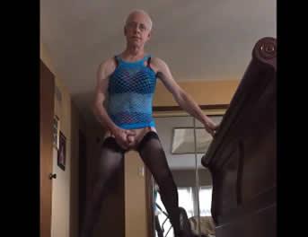 Abuelo Travesti Se Saca La Polla