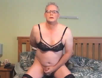 Sissy Con Sostén Practica El Sexo Tántrico